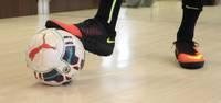 Dzērves fantastiski izglābjas telpu futbola čempionāta spēlē