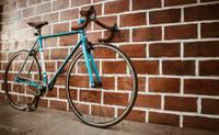 Nozagts velosipēds un urbjmašīna
