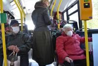 Sejas maskas būs jāvelk arī taksometros; tās varēs nelietot virknē pasākumu ar fiksētām sēdvietām