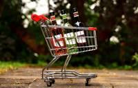 Nedēļas nogalēs būs slēgta liela daļa veikalu un būs aizliegta alkohola tirdzniecība