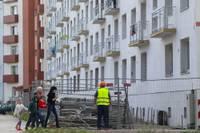 Ultimāts dod rezultātu – renovācijas darbi Viršu ielā atsākušies