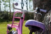 Bērns gūst traumas, krītot ar velosipēdu