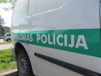 Grobiņā avārijā cietis pašvaldības policists