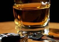 Džipu vada dzērumā un bez tiesībām