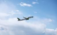 """""""airBaltic"""" veiks ceļojumu aģentūras organizētu lidojumu virs Kurzemes, taču lidojumus uz Liepāju neatsāks"""