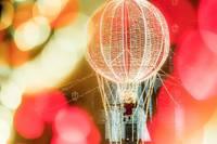 Liepājā nolaidies gaismas balons
