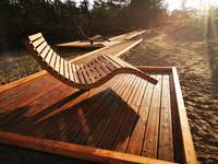 """""""Liedagos"""" izveidoti atpūtas krēsli ar skatu uz jūru"""
