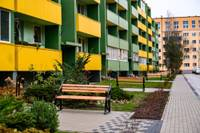 Aicina pieteikties uz pašvaldības līdzfinansējumu daudzdzīvokļu māju pagalmu labiekārtošanai