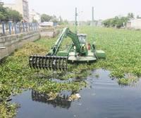 Liepājas pašvaldība iegādāsies traktoru ezera tīrīšanai