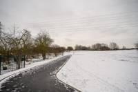 Zirgu salā izbūvēts velosatiksmei un skrituļošanai piemērots ceļš, ko ziemā varēs izmantot kā slēpošanas trasi