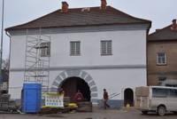 Priekulē pabeigta Zviedru vārtu atjaunošanas pirmā kārta