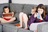 Bērns un mobilais telefons: vai un cik lielā mērā tas nepieciešams?