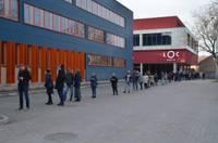 """Liepājā masu vakcinācijas centrs beidzis darboties, """"dzīvajā rindā"""" sapotēts 701 iedzīvotājs"""