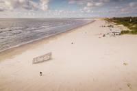 Izsludināta nomas tiesību izsole uz Liepājas pludmales tirdzniecības vietām