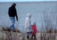 Konceptuāli atbalsta ģimenes valsts pabalsta apmēra palielināšanu no 2022.gada