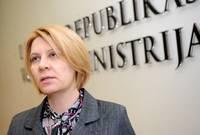 Vakcīnu iepirkumu dēļ VM valsts sekretāri pārcels zemākā amatā, sākta disciplinārlieta arī pret Henkuzenu