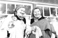 """Ceļojošās izstādes """"Tautasdziesmu teicējas. 1991"""" pirmā pietura – Otaņķu tautas nams"""