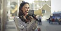 Vai mākslinieks jūt vārda brīvības robežas? Atbild tēlnieks Egons Peršēvics, rakstniece Jana Egle, horeogrāfe Kristīne Brīniņa un režisors Elmārs Seņkovs