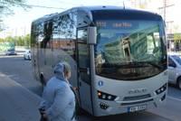 Mikroautobusa šoferis ignorē pasažieru skaita ierobežojumu