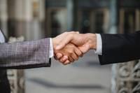 """""""Ignitis Latvija"""" un """"Schneider Electric, Lexel Fabrika"""" slēdz līgumu par dabasgāzes piegādi, kas pasargās klimatu"""
