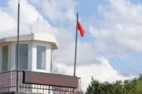Sarkanais karogs pludmalē no ūdens priekiem neattur. Pārkāpējus sodīt nevar