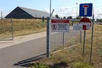 """Makšķerniekiem, kas copē līdzās """"Latvijas dzelzceļa"""" apsargājamai teritorijai, aizliegums nav šķērslis"""
