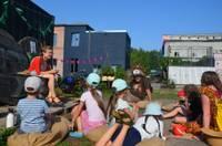 Bērnus aicina uz izzinošu nodarbību Kopienas dārzā