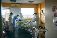 Liepājas slimnīcā strauji kāpusi Covid-19 pacientiem paredzēto gultasvietu noslodze