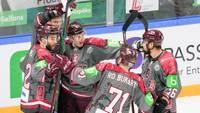 Latvija trešajā periodā izdemolē ungāru aizsardzību, Balceram hat-trick