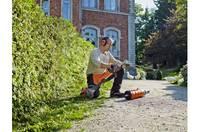 Zāles trimmeris ar akumulatoru – katram mūsdienīgam dārzniekam