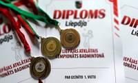 Aizvadīts Liepājas atklātais čempionāts badmintonā