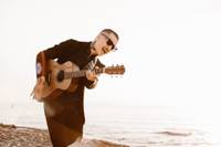 Pēdējais šīs vasaras saulrieta koncerts pludmalē