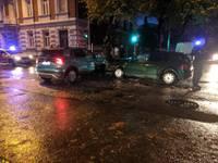 Šis bīstamais kreisais pagrieziens! Iemesls trešdaļai satiksmes negadījumu ar cietušajiem