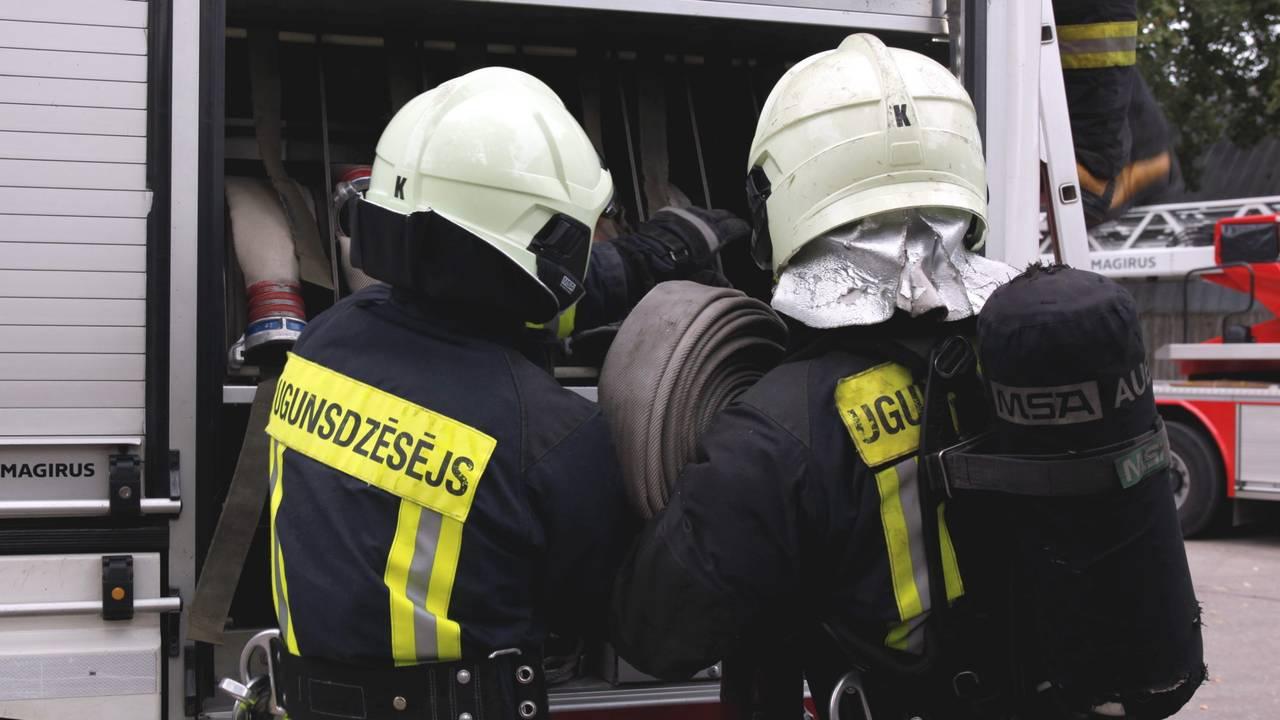 Пожар на ул.Бривибас – на тушение понадобилось три дня