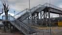 Пешеходный мост возле вокзала – открыт, но ремонтные работы еще продолжатся