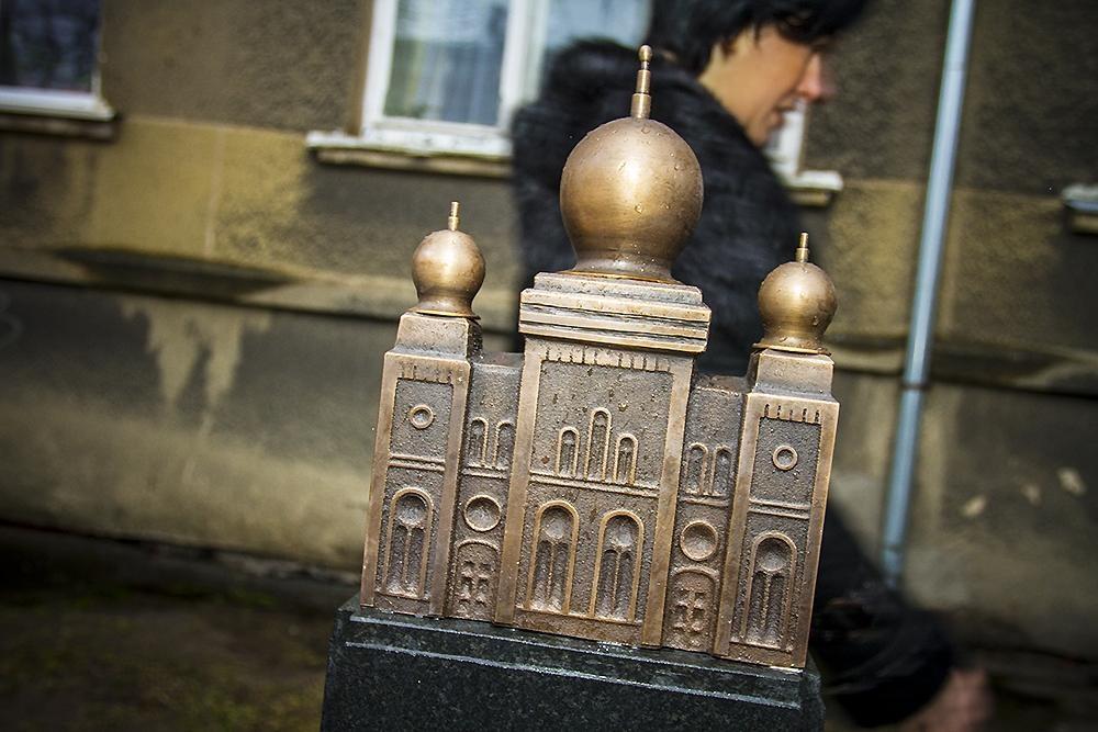 Украли бронзовую скульптуру синагоги