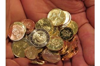 Малообеспеченным жителям разрешат накопить 128 евро
