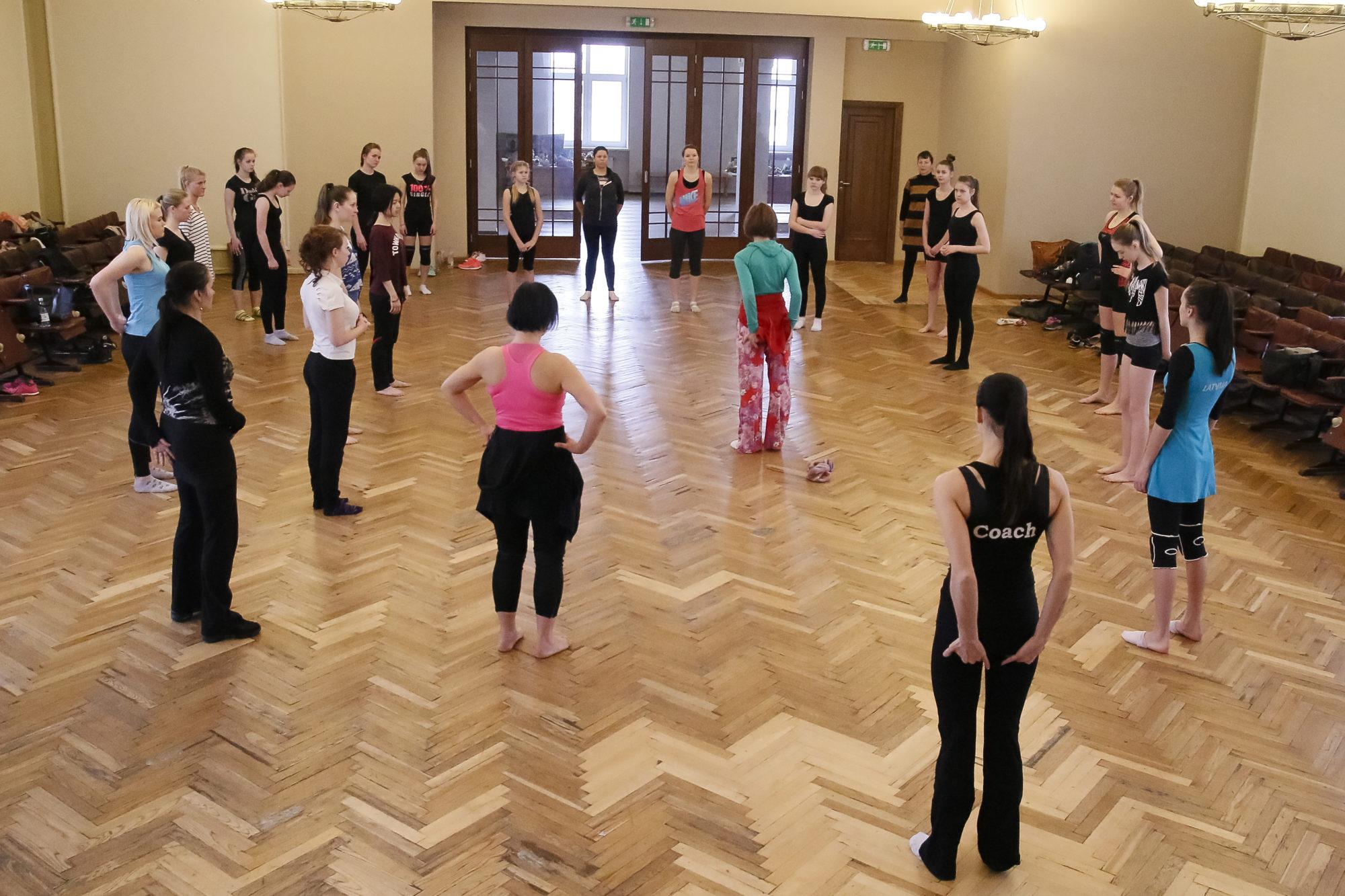 День танца в университете