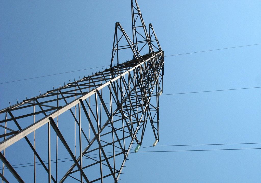 Планируют повысить тарифы на услуги системы передачи электроэнергии