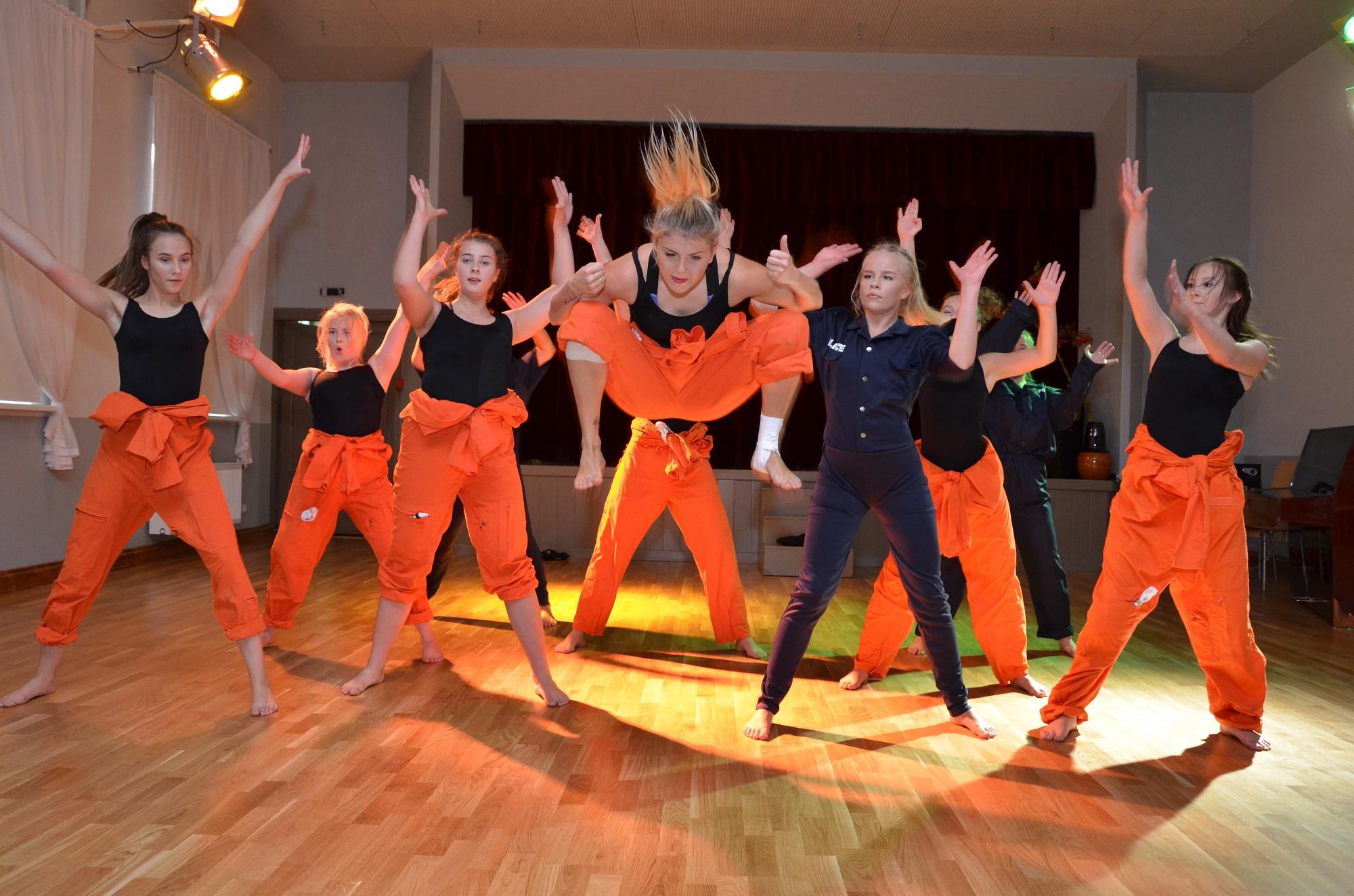 Концерт молодежной танцевальной группы «Penari» из Норвегии