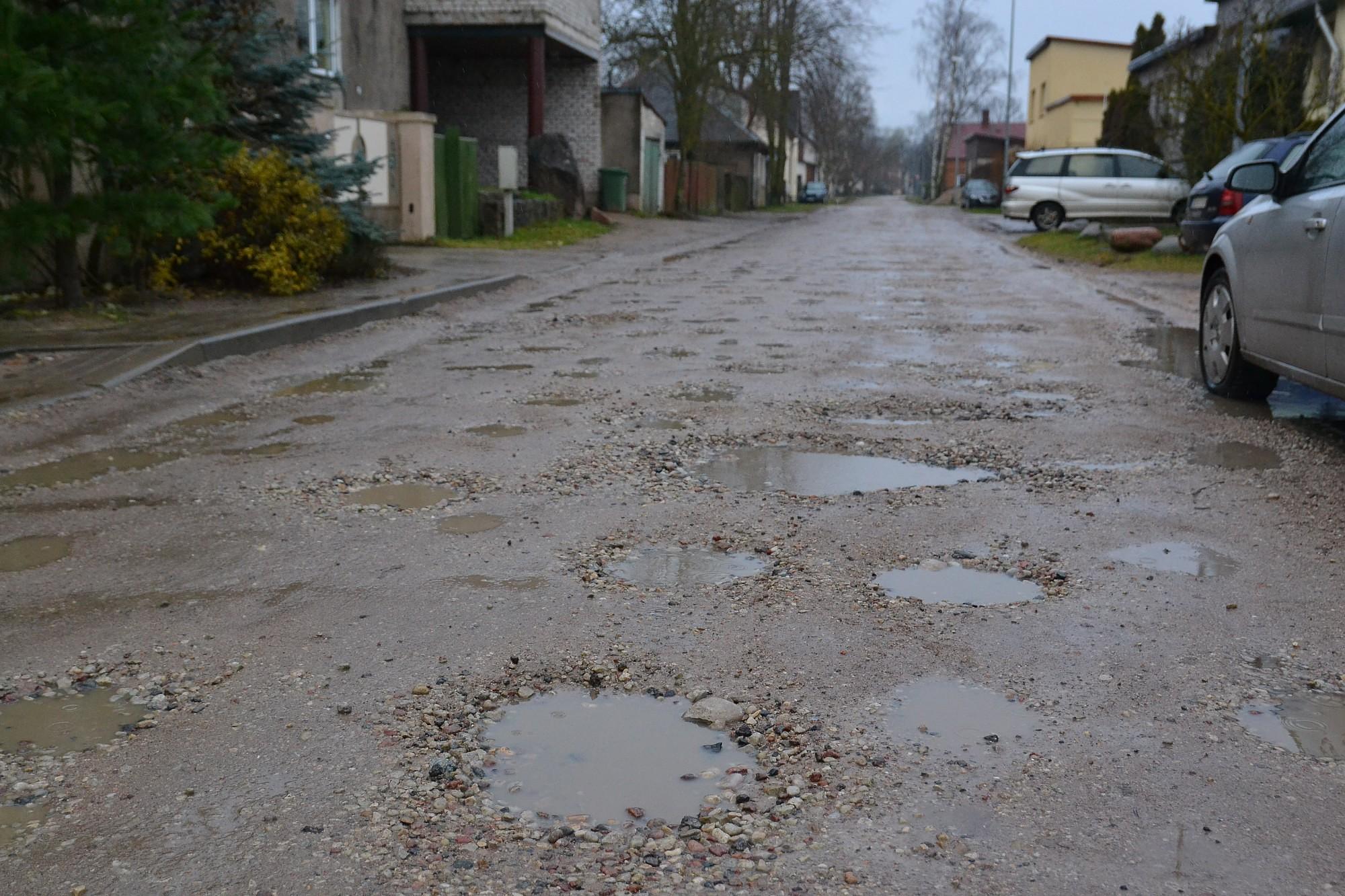 От ливней страдают гравийные улицы