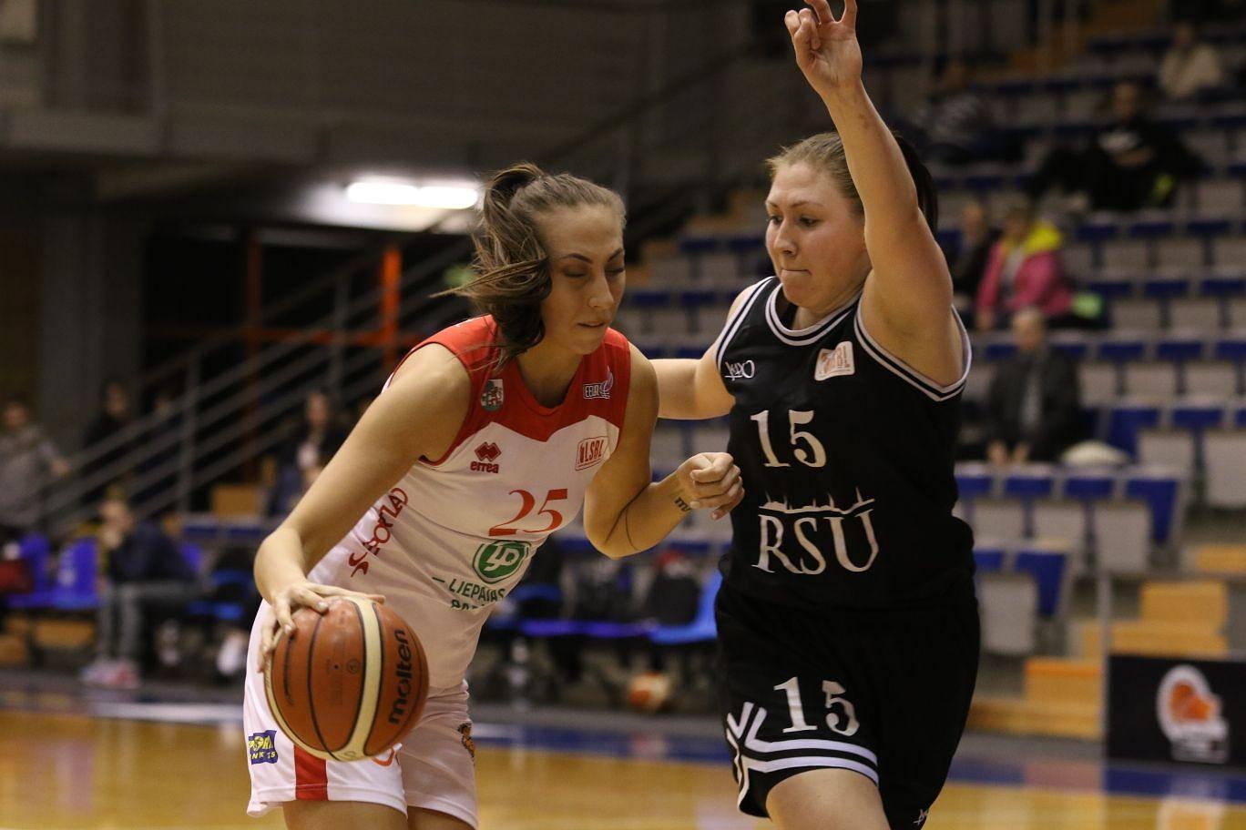 Баскетболистки «Лиепаяс папирс» обыграли главных конкуренток
