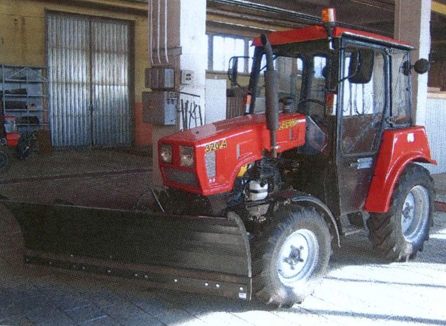Полицейские предупреждают крестьян о рисках кражи тракторной техники