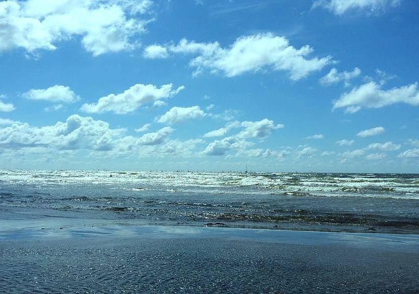 Дополнено — На городском пляже утонула девушка
