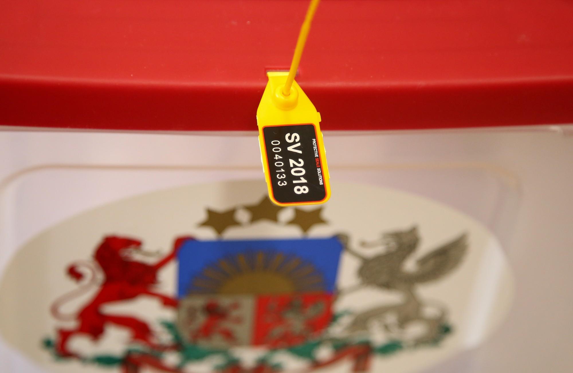 Дополнено — На выборах в 13-й Сейм проголосовали примерно 54% избирателей