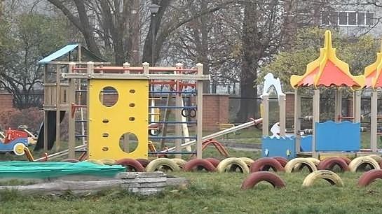 Место в детских садах самоуправления ждут более 500 детей