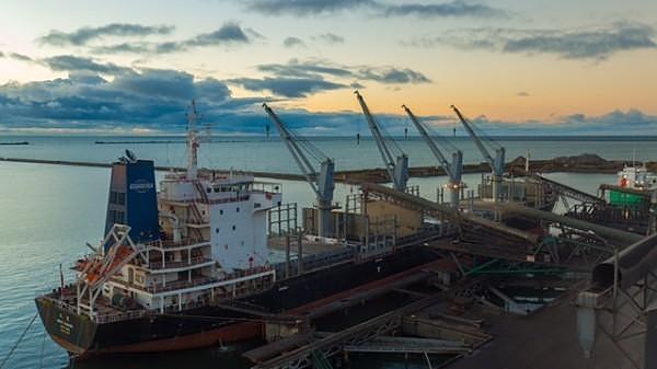 Лиепайский порт за 11 месяцев перевалил на 13,8% грузов больше