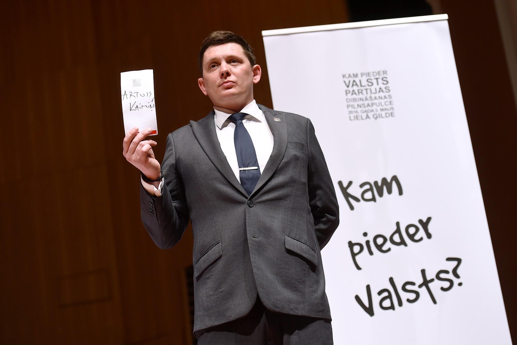 Кайминьш предлагает Кариньшу не брать в правительство Гобземса и прежних министров из «старых партий власти»