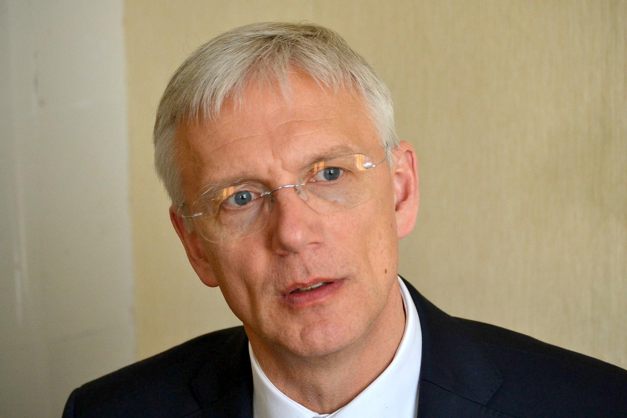 Кариньш предлагает правительство без СЗК