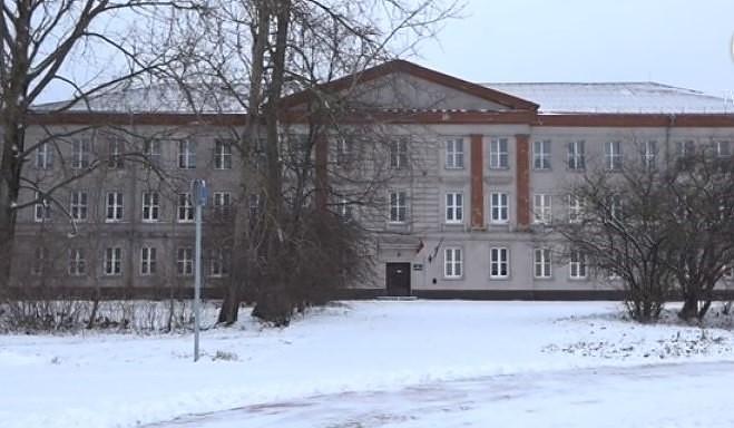 Ученики ликвидируемой школы-интерната сами должны искать другое учебное заведение